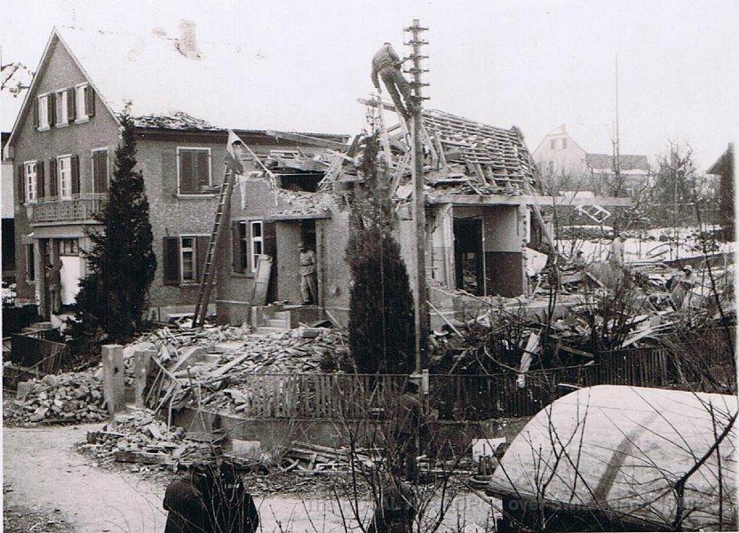 Bomben auf Binningen 17.12.1940  / Foto Privatsammlung